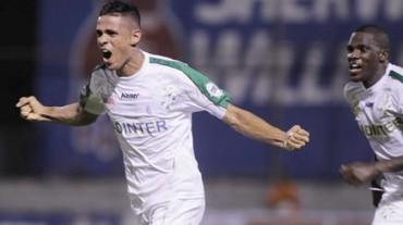 Juan Pablo Montes es duda ante Olimpia