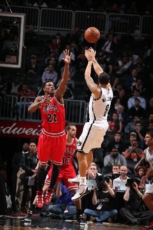 Chicago Bulls logró arrebatarle el factor pista a los Brooklyn Nets