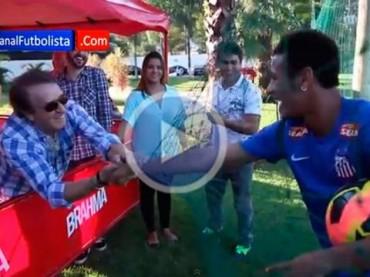 VIDEO: Neymar conoció a 'Kiko' en el entrenamiento del Santos
