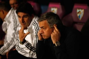 La mayoría de los aficionados silbó a Mourinho
