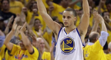 Los Warriors tumban a Denver y estan en Semifinal