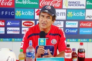 Jorge Luis Pinto da la convocatoria de la selección de Costa Rica