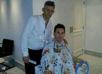 Leo Messi se suma a la albiceleste estrenando 'new look'
