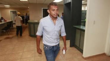 Amado Guevara llegó al Hospital Escuela a brindar su apoyo a los heridos