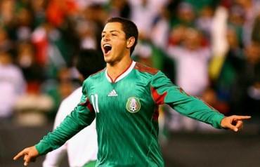 Doblete de Chicharito ante Japón para la honra de México