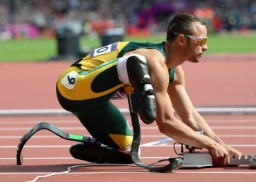 Pistorius se entrena 4 meses después de matar a su novia