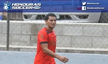 Mariano Acevedo fue la novedad esta mañana en el entrenamiento de Olimpia