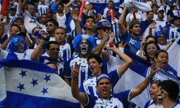 Aficionados de Honduras mostraron su descontento con la Selección