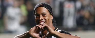 Ronaldinho mete en la final al Atlético Mineiro