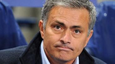 Mourinho envía un mensaje a Rooney