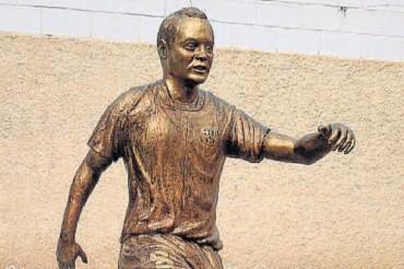 Iniesta tendrá una estatua de bronce