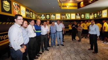 Real España llevó a cabo la presentación del nuevo camerino del club en su sede