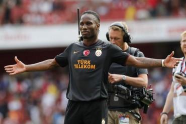 Drogba da la Supercopa al Galatasaray