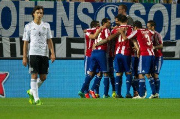 Alemania sufre para sacar un empate ante la firme Paraguay