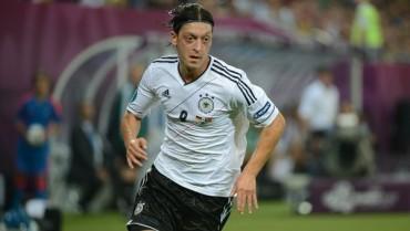 """Özil: """"Mi decisión es clara me quedo en el Real Madrid"""""""