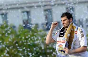 """Casillas: """"Gracias a esta gran afición por estar siempre ahí"""""""