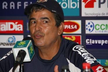 Jorge Luis Pinto ha realizado un viaje sorpresa a Tierras catrachas