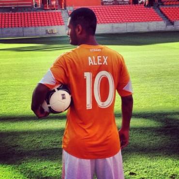 Presentación de Alexander López con el Houston Dynamo