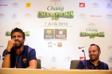 """Piqué: """"Cesc se queda es su sueño estar en el Barcelona"""""""