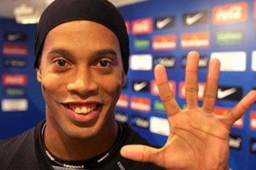 Ronaldinho se hace cirugía estética en los dientes
