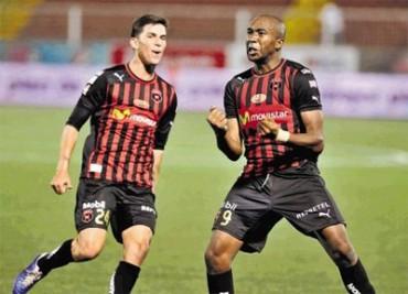 Jerry Palacios anotó el gol del empate del Alajuelense
