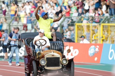Usain Bolt se impone con 9.80 en sus últimos 100 metros del año