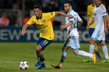 La mayor pegada del Arsenal de Özil acaba con el Marsella