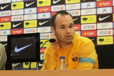 """Iniesta: """"En ningún sitio voy a estar mejor que en Barcelona"""""""