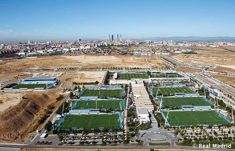 8 a os de la ciudad deportiva del real madridhonduras for Puerta 8 ciudad deportiva
