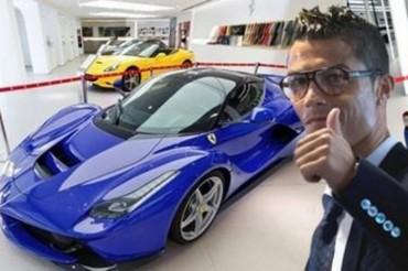 CR7 se regala un Ferrari
