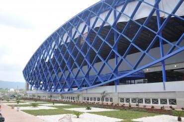 UNAH inaugura un moderno polideportivo