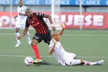 Jerry Palacios excelente participación en el clásico de Costa Rica