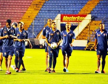 Panamá reconoció la cancha del estadio Nacional de Tegucigalpa