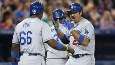 Adrián le da vida a Dodgers
