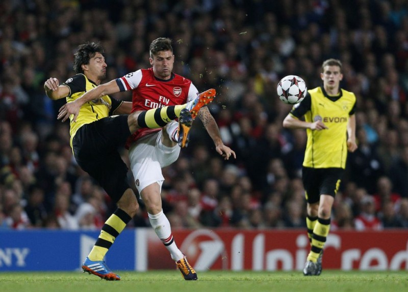 Mkhitaryan y Lewandowski dan un golpe de efecto al Arsenal