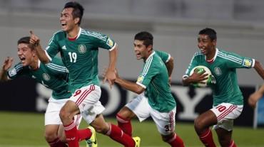 México sufre pero avanza