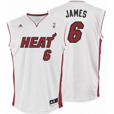 La camiseta de LeBron James, la más vendida en todo el mundo