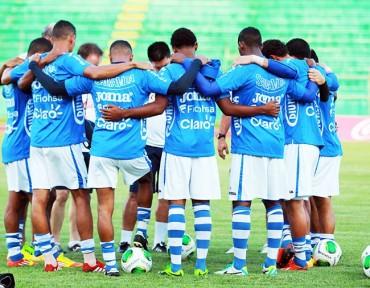 Con diez futbolistas se comenzó el trabajo en la Bicolor