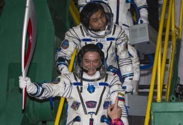 La nave Soyuz con la antorcha olímpica se acopla a la EEI