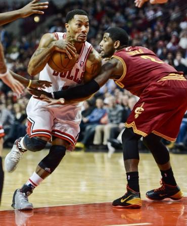 Rose da el susto de la noche en la victoria de los Bulls