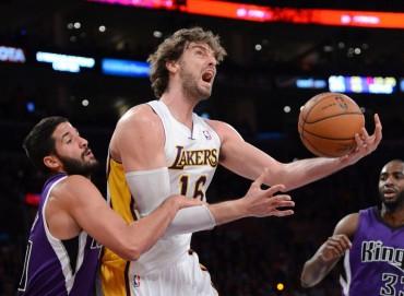 Henry y Gasol dan a los Lakers el tercer triunfo consecutivo