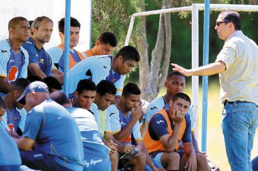 Pedro Atala le exigió clasificar al grupo de jugadores