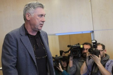 "Ancelotti: ""No nos planteamos fichar a nadie"""