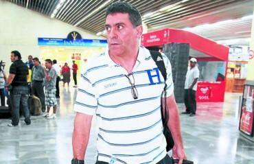 Luis Suárez inspeccionara el uniforme que van utilizar en el Mundial