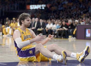 Pau Gasol y su doble-doble no evitan otra derrota de los Lakers