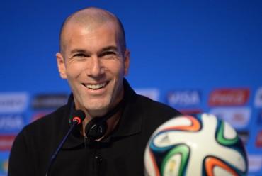 """Zidane: """"Lo que hace Cristiano en el campo es monstruoso"""""""