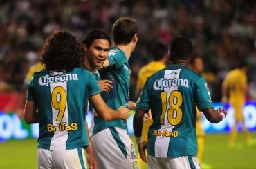 León toma ventaja en la ida de la Final del Apertura del fútbol Mexicano