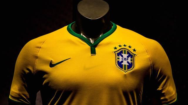 Censuran la camiseta mundialista de Brasil