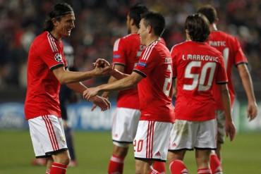 El Benfica gana al PSG, pero el triunfo del Olympiacos le elimina