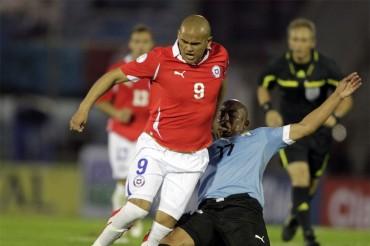 Chile,pierde al 'Chupete' Suazo para el Mundial por lesión